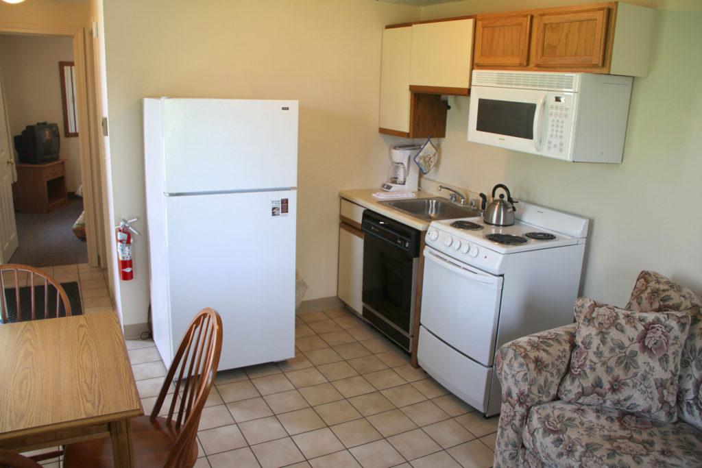 one_bedroom_kitchen